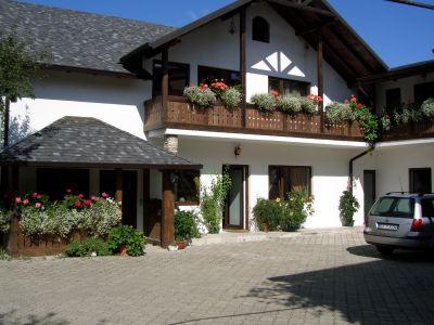 Grosses Haus bei Hilde's