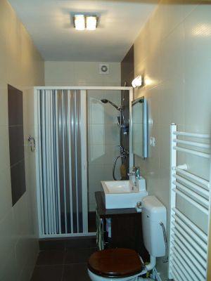 Bad 1 mit Dusche im Ferienhaus Casa Romanita Haus 1
